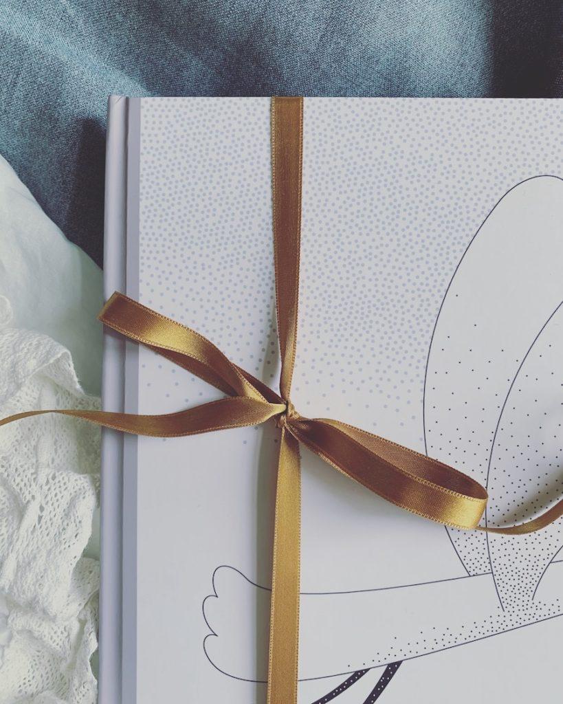 Personlig barnbok När storken kom med mig Personlig present Personlig dopgåva namngivningspresent födelse Unik present Namnbok